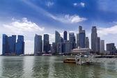 Небоскребы Сингапура и Марина Бэй. — Стоковое фото