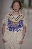 Model walks the runway at the Mara Hoffman Spring-Summer 2015 Collection — Stock Photo