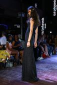 Model walks runway for Raul Penaranda Spring-Summer 2015 Sultry presentation — Stock Photo