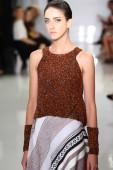 Model walks the runway at Ralph Rucci during Mercedes-Benz Fashion Week — Stockfoto
