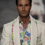 Model walks the runway at the B. Michael America fashion show — Foto Stock #53142647