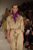 Model walks the runway at Ralph Lauren fashion show — Stock Photo