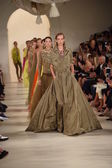 Models walk the runway finale at Ralph Lauren fashion show — Stock fotografie