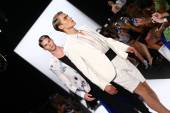 Models walk the runway finale at Carmen Marc Valvo — Stock Photo