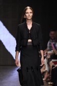 Model walks the runway at Donna Karan New York show — Foto de Stock