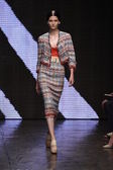 Model procházky dráhy na donna karan new york show — Stock fotografie