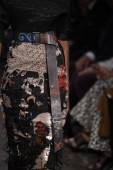 модели прогулки взлетно-посадочной полосы в донна каран нью-йорк шоу — Стоковое фото