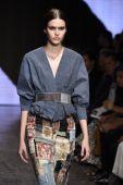 Model walks the runway at Donna Karan New York show — Stock Photo