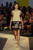 Model walks the runway during the MSGM show — 图库照片