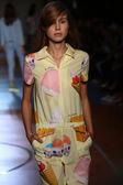 Model walks the runway during the Au jour le jour show — Stock Photo