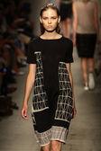 Model walks the runway at the Cividini Show — Stock Photo