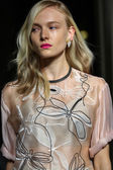Model walks the runway during the Aquilano Rimondi show — Stockfoto