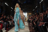Models walk the runway finale during the Genny show — Stock Photo