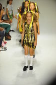 Models walk the runway finale during the Alivia Simone preview — Stock Photo