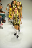 Models walk the runway finale during the Alivia Simone preview — 图库照片