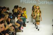 Models walk the runway finale during the Alivia Simone preview — Foto de Stock