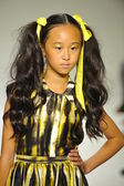 Model walks the runway during the Alivia Simone preview at petite PARADE Kids Fashion Week — Stock Photo