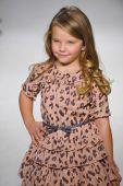 Anasai preview at petite PARADE Kids Fashion Week — Stock Photo