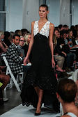 Oscar De La Renta fashion show during Mercedes-Benz Fashion Week — Stock Photo
