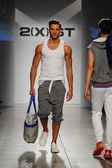 2(X)IST Men's Spring Summer 2015 Runway Show — Stockfoto