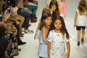 Chloe preview at petite PARADE Kids Fashion Week — Stock Photo