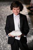 Oleg Cassini autunno 2015 sposa collezione — Foto Stock
