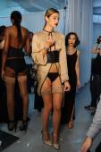 Models pose sexy backstage during Made in the USA Spring 2015 lingerie showcase preparations — Stock Photo