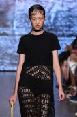 Jing Wen walk the runway at DKNY — Stock Photo