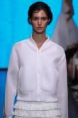 Model Manon Leloup walk the runway at DKNY — Stock Photo