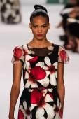 Model Cora Emmanuel walk the runway at the Carolina Herrera fashion show — Stock Photo