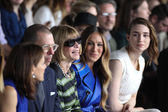 Artistic director for Conde Nast Anna Wintour and Sarah Jessica Parker and Rooney Mara attend the Calvin Klein Collection fashion show — Stock Photo