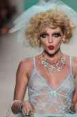 Betsey Johnson during Mercedes-Benz Fashion Week — Stock Photo