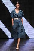 Ophelie Guillermand walk the runway at Donna Karan New York — Stock Photo