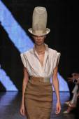 Lexi Boling walk the runway at Donna Karan New York — Stock Photo
