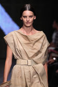 Amanda Murphy walk the runway at Donna Karan New York — Stock Photo