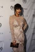 Jackie Cruz poses backstage at the Carmen Marc Valvo 25th Anniversary show — Stock Photo
