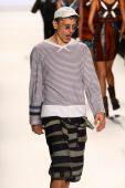 Fade Zu Grau at the Project Runway show — Stock Photo