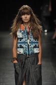 Angelo Marani - Show during Milan Fashion Week — Stock Photo
