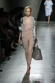 Bottega Veneta show as a part of Milan Fashion Week — Стоковое фото
