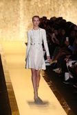 Herve Leger by Max Azria fashion show — 图库照片