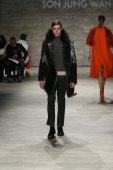 Son Jung Wan fashion show — Stock Photo