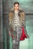 Sfilata di moda di nicole miller — Foto Stock