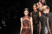 Vivienne Tam fashion show — Stock Photo