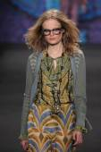 Anna Sui fashion show — Stock Photo