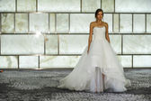 Rivini během podzimu roku 2015 Svatební kolekce — Stock fotografie