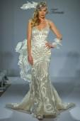 Prina Tornai Bridal collection — Stock Photo