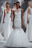 Toast To Tony Ward: Special Bridal Collection — Stock Photo