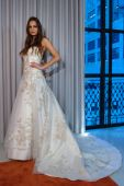 Michelle Roth Bridal Collection — Stock Photo