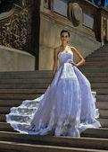 Kalyn Hemphill pose at the Irina Shabayeva Bridal collection — Foto Stock