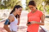Female runners — Stock Photo